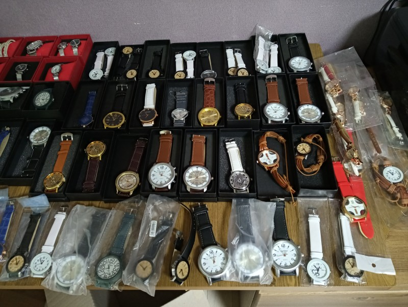 패션시계ㆍ귀걸이ㆍ가죽팔찌ㆍ시계케이스ㆍ종이가방 몽땅