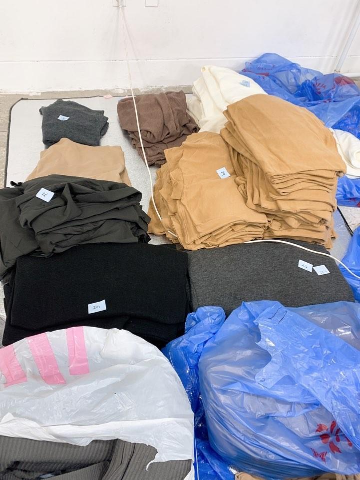 여성 티셔츠 니트 소량 판매합니다