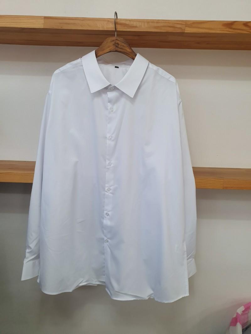 화이트컬러 남녀 와이셔츠  100장단위로 4.000원에 판매합니다.