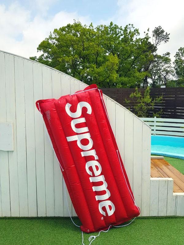슈프림 대형매트 물놀이 해변 풀빌라 서핑 사은품