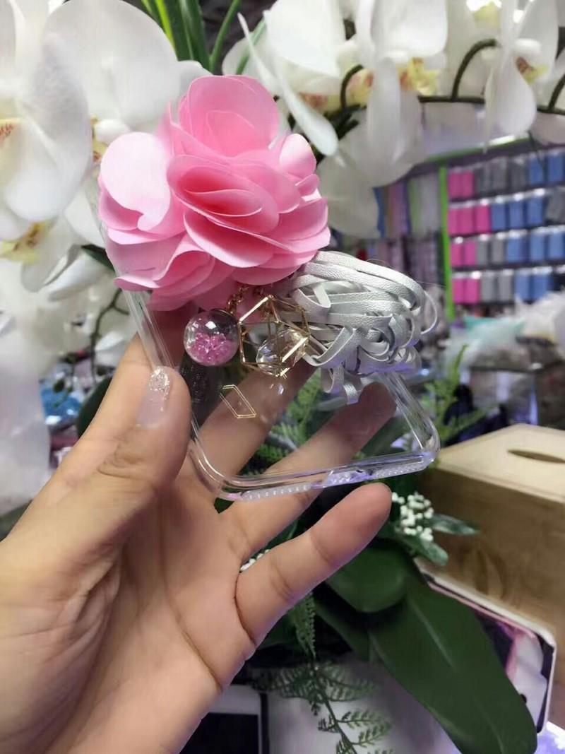[휴대폰케이스]꽃장식 핸드폰케이스입니다
