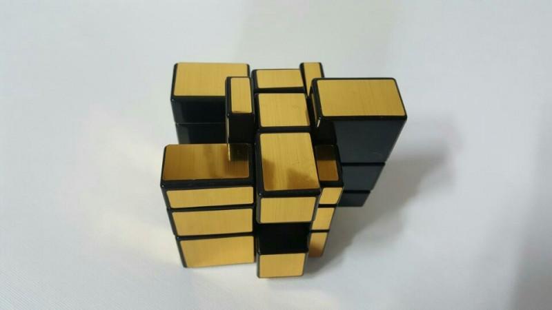 더진화한 큐브 - 디큐브