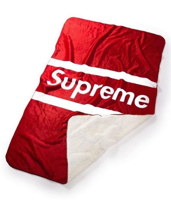 슈퍼 슈프림 SUPREME 양털 극세사 담요 대박 입니다. 수량 몇개 없어요 서두루세요~!! 진짜 대박 기존에 없던상품입니다.