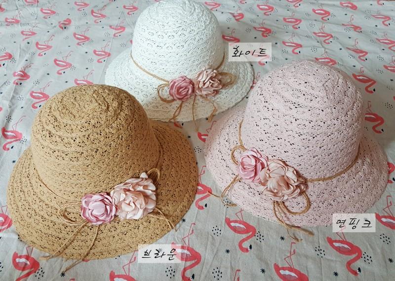 꽃두송이 모자