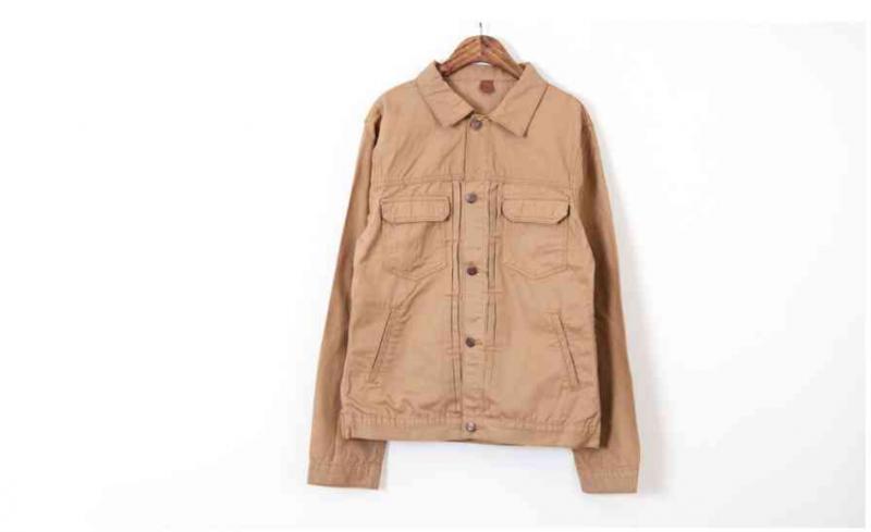 봄신상 남자면자켓 300장. 5000원에 완사판매합니다.