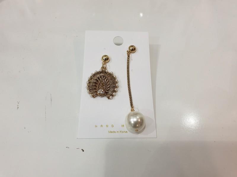 귀걸이 1500원 판매.