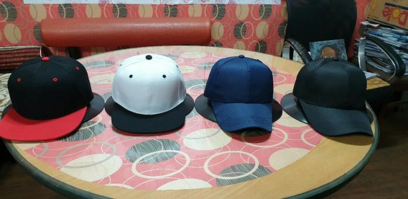 로고 없는  모자  4종 긴급 땡 처리 합니다.