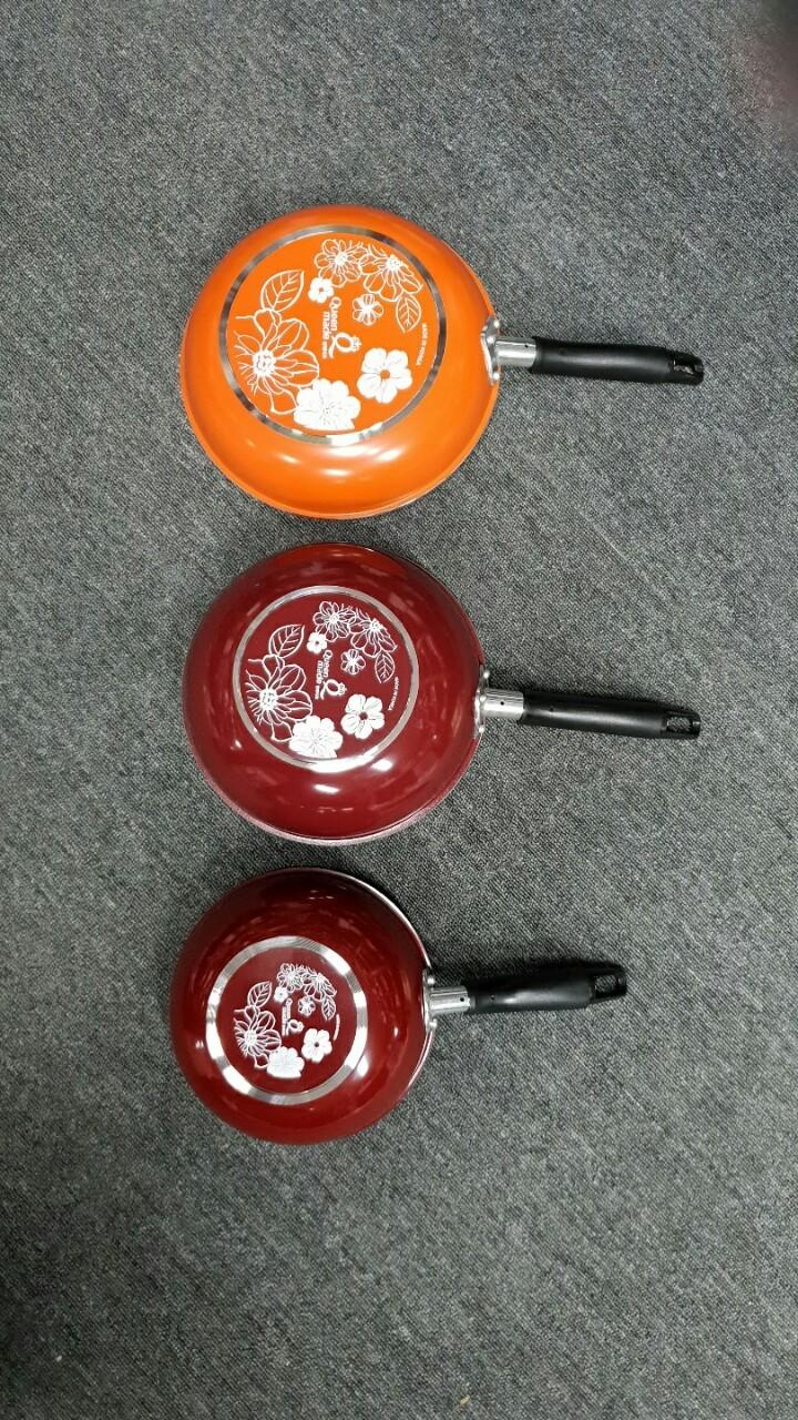 국산 퀸메이드 레드코팅 궁중팬 3종 정리 합니다.