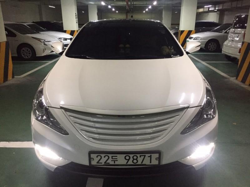 YF쏘나타 LPI 흰색차량 판매 합니다.