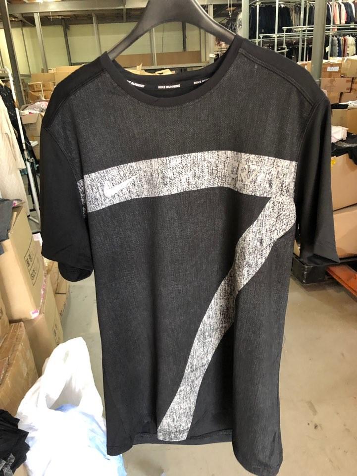 유명 스포츠 브랜드 기능성 티셔츠