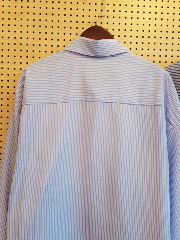 루즈핏 스트라이프 셔츠